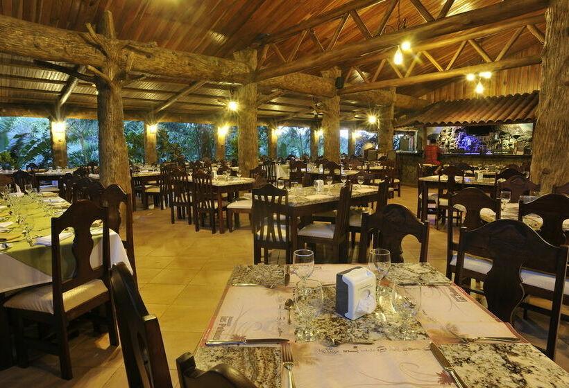 Hotel los lagos spa resort em arenal desde 41 destinia for Nikki o salon lagos