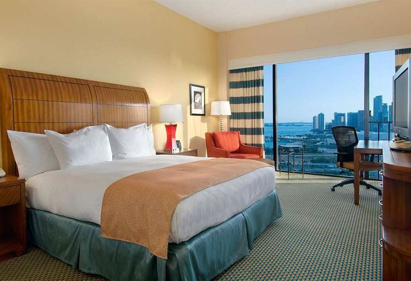 فندق Hilton Miami Downtown ميامي