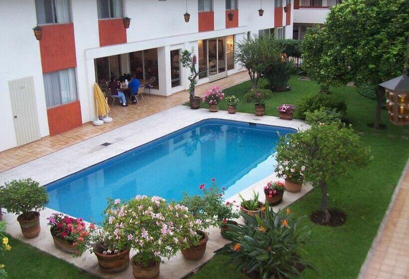 Hotel Isabel Guadalajara