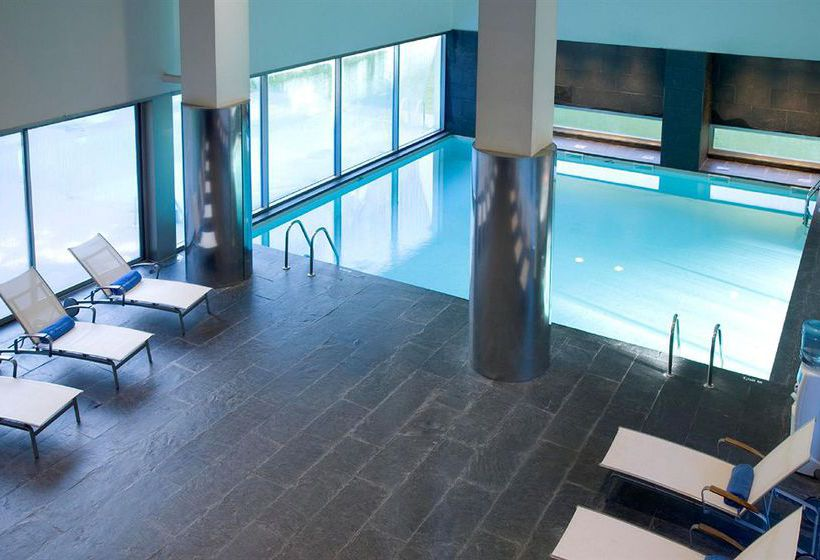 Swimming pool Hotel NH Collection Santiago de Compostela