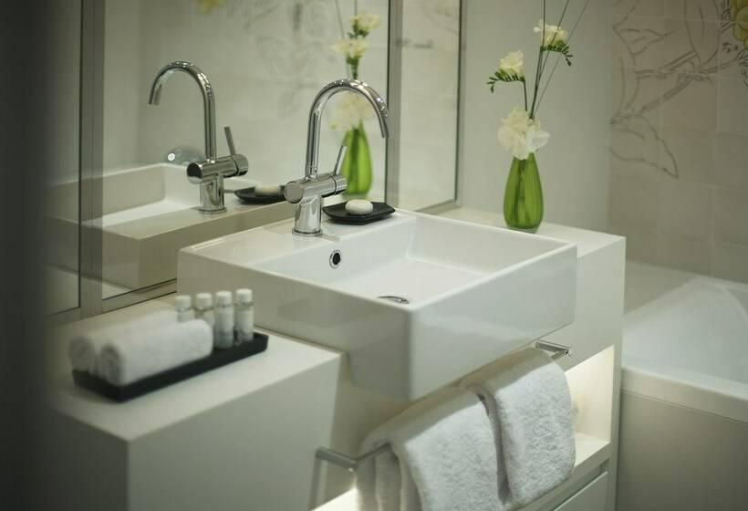 Salle de bain Hôtel Camiral Caldes de Malavella