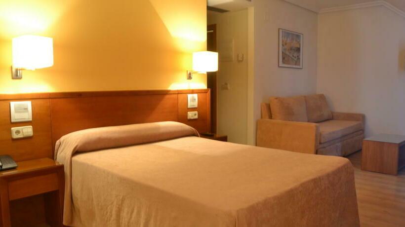 Quarto Hotel Ogalia Vigo