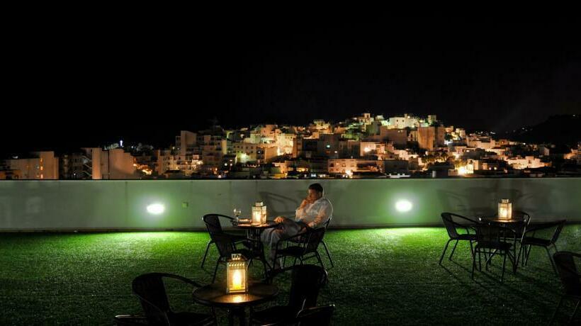 تراس فندق Bahía Almuñécar ألمونيكار