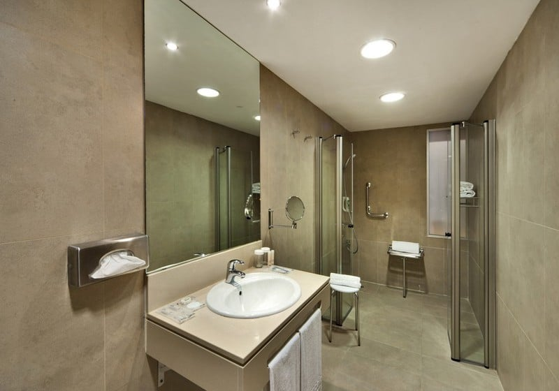 Bathroom فندق Barceló Cádiz قادش