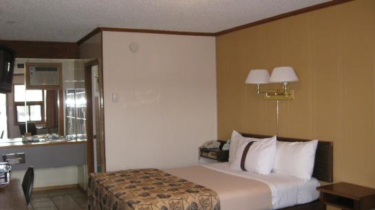 Hotel Canada's Best Value Inn Calgary