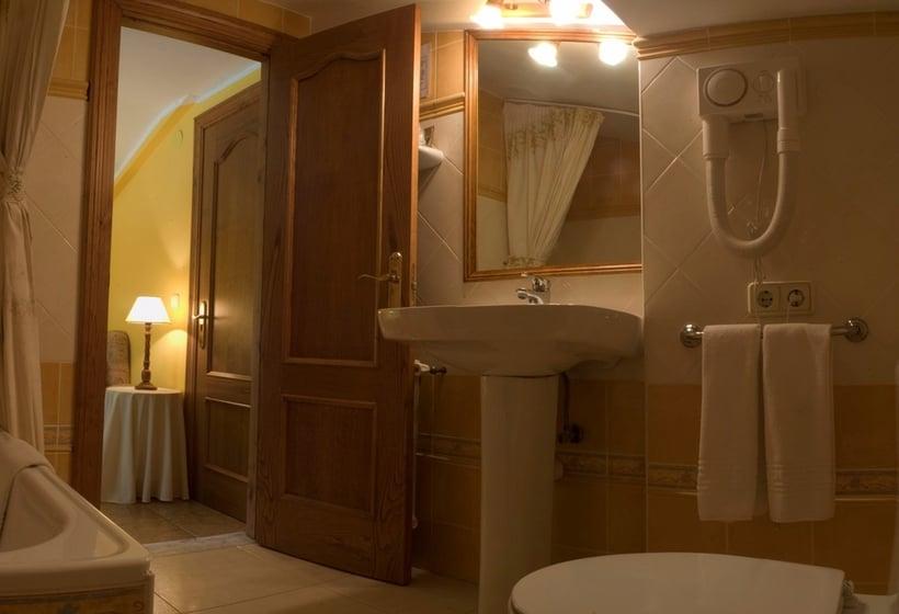 Bathroom Casa Rural Santu Colás Cangas de Onis