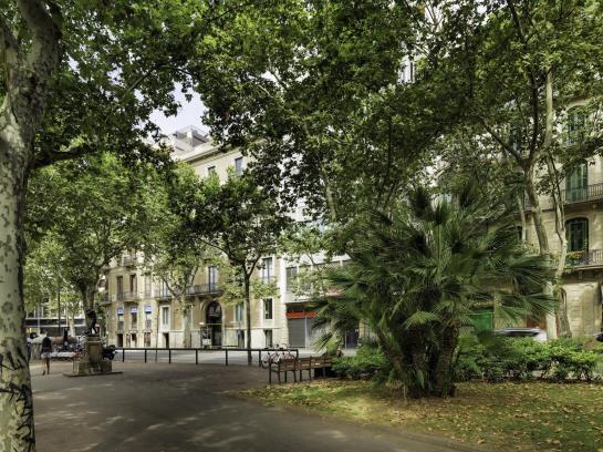 מראה חיצוני בית מלון כפרי H10 Urquinaona Plaza ברצלונה