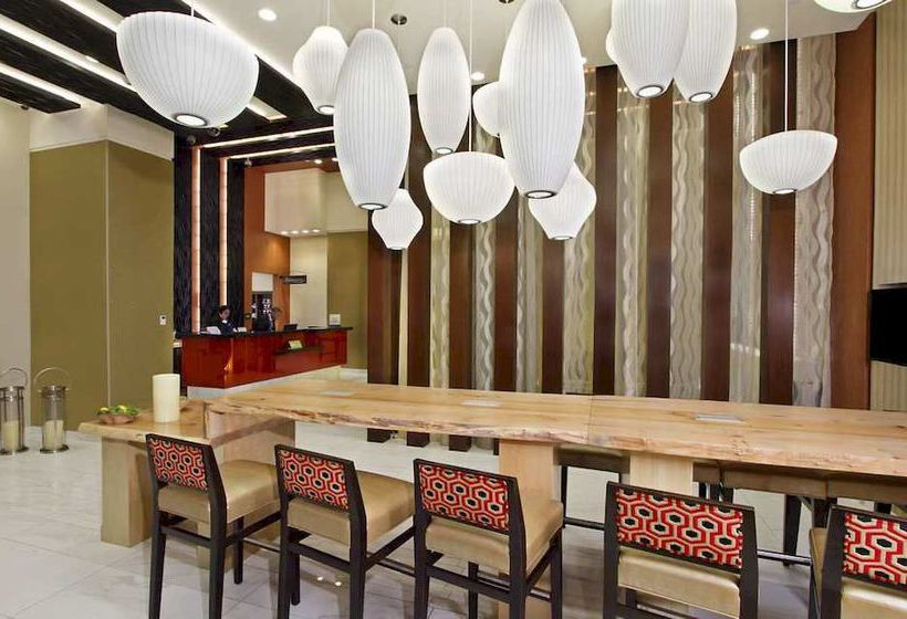 Hotel Hilton Garden Inn New York Midtown Park Ave I New York Fra 346 Kr Destinia