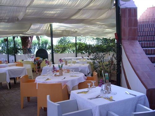 Image result for أواسى.. أجمل مطاعم فيينا