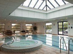 Hotels in redbourn hotels at the best price with destinia for Hotels in luton with swimming pool