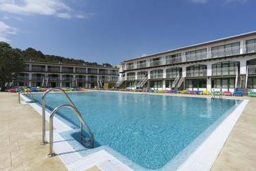 Swimming pool Medplaya Aparthotel San Eloy Tossa de Mar