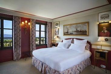 hotel le gordos gordes les meilleures offres avec destinia. Black Bedroom Furniture Sets. Home Design Ideas