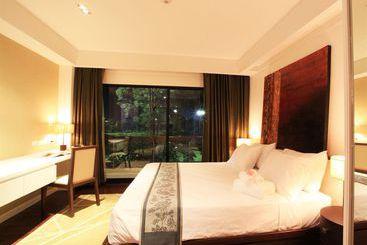 Summit Windmill Golf Residence - Bangkok