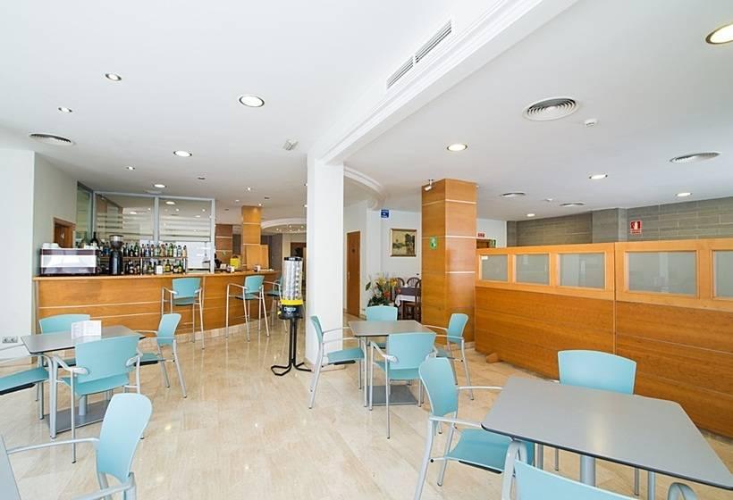 H tel abelux palma de majorque partir de 31 destinia for Hotel design palma de majorque