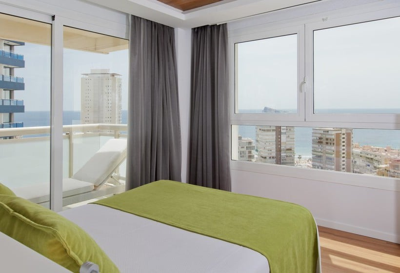 Quarto Hotel Benidorm Plaza
