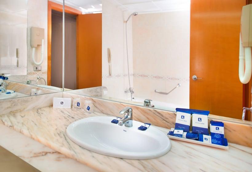 욕실 호텔 RH Corona del Mar 베니 돔