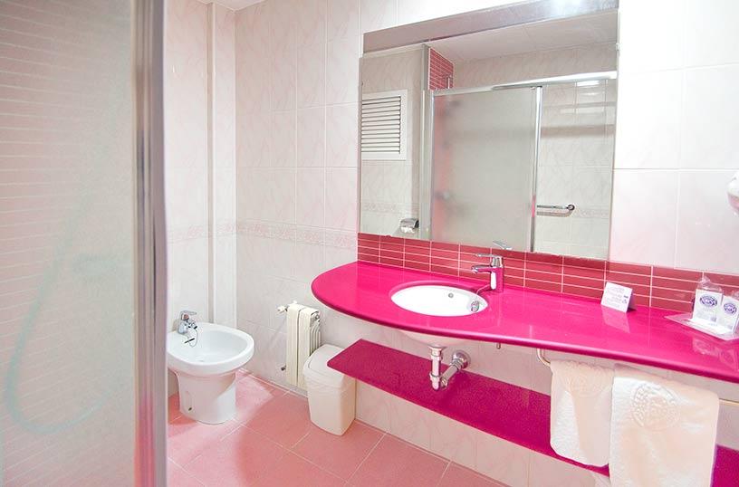 Cuarto de baño Hotel Servigroup Nereo Benidorm