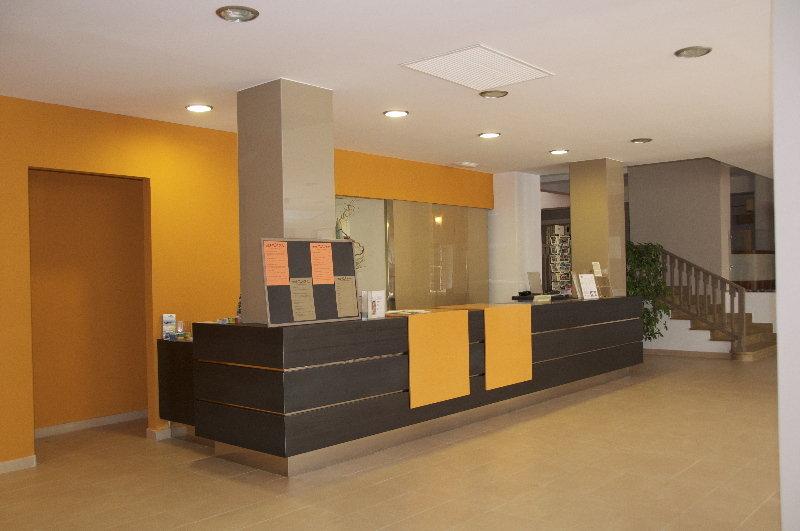 Front desk Hotel Encant S'Arenal