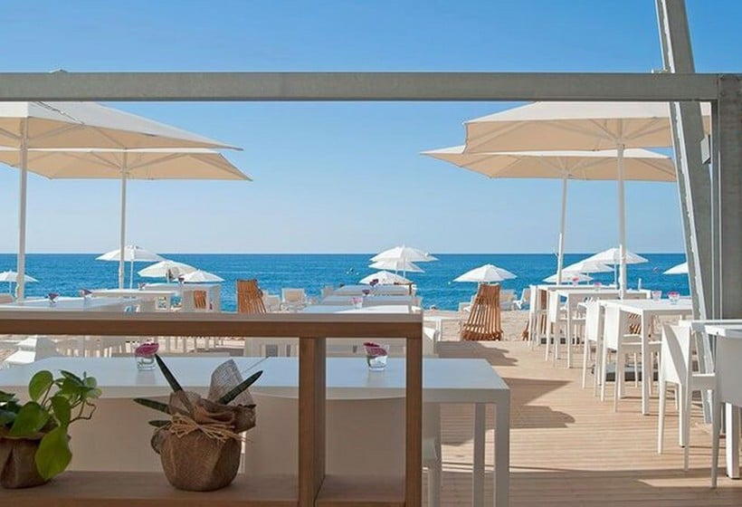 terraça Hotel Kaktus Playa Calella