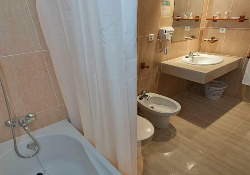 Casa de banho Hotel San Luis Gandia