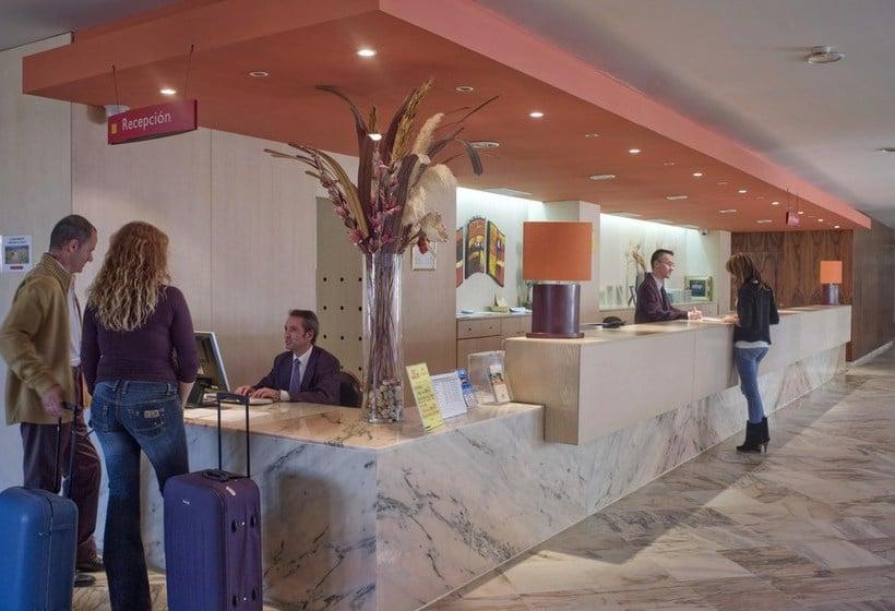 Front desk Gran Hotel del Coto Matalascanyas