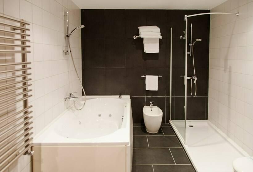 Bathroom Hotel Avenida A Corunya