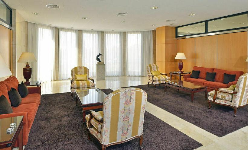 Hotel meli girona en gerona desde 840 destinia for Hotel familiar girona