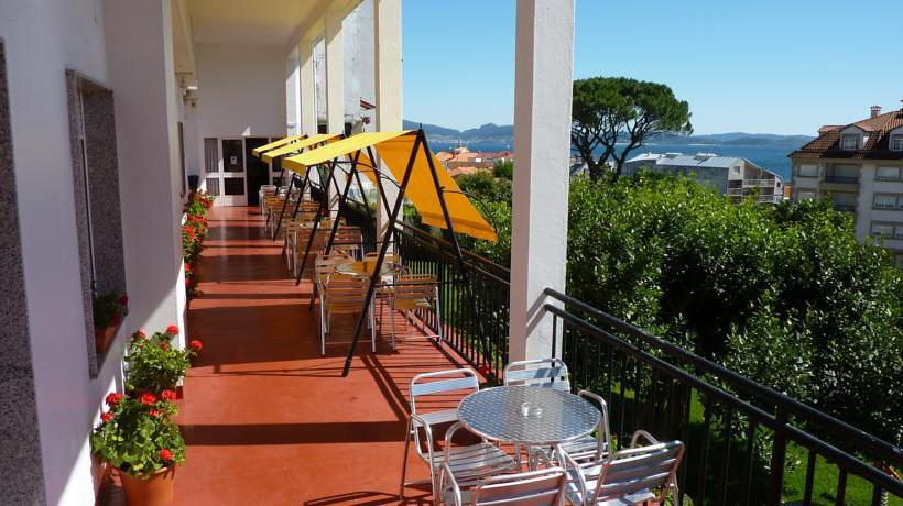 Hotel la terraza in sanxenxo starting at 26 destinia for Terrace hotel contact number