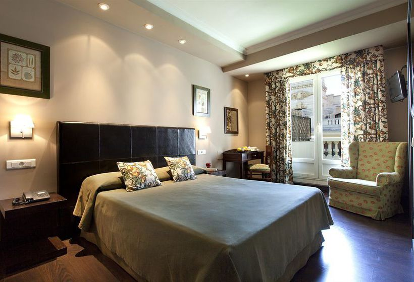 Hotel moderno in madrid starting at 32 destinia for Hotel arenal madrid