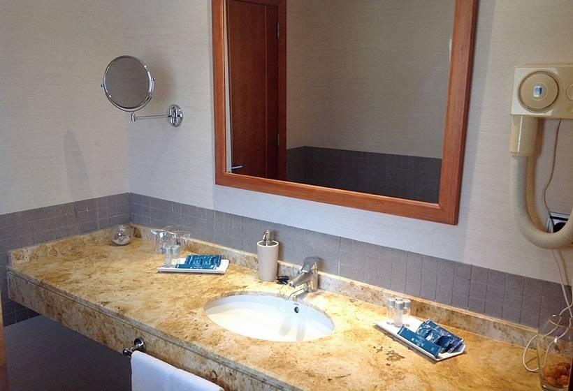 Bathroom Hotel Rusadir Melilla