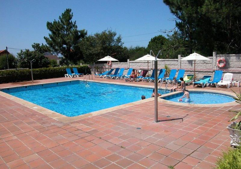 Swimming pool Hotel Ton Sanxenxo