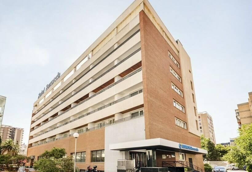 Aussenbereich Hotel Ilunion Romareda Saragossa