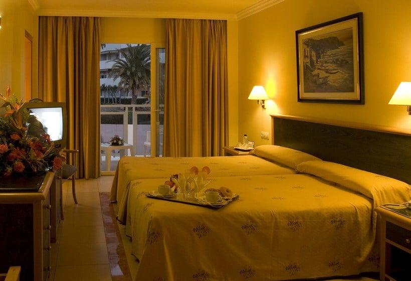 방 호텔 Las Arenas Benalmadena