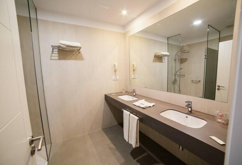 Bathroom Hotel RF San Borondon Puerto de la Cruz
