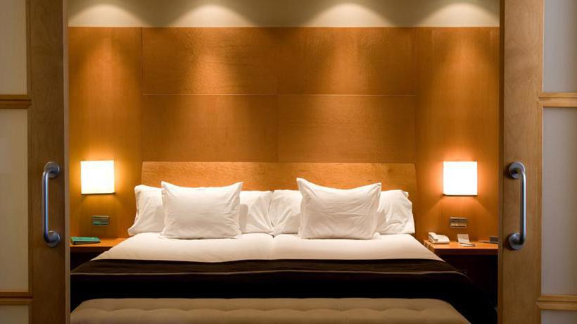 Quarto Hotel Silken Al-Andalus Palace Sevilha