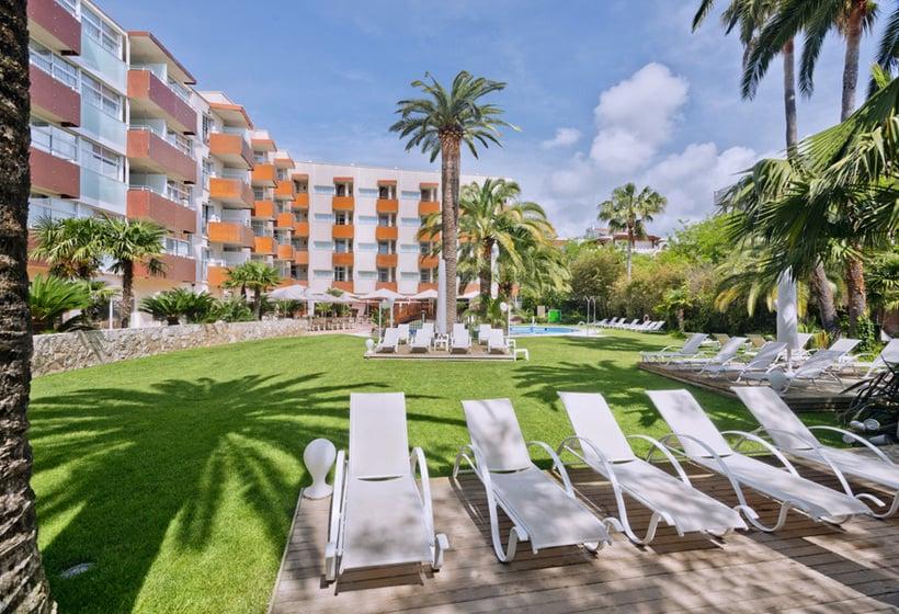 M nica hotel en cambrils desde 940 destinia for Hotel familiar cambrils