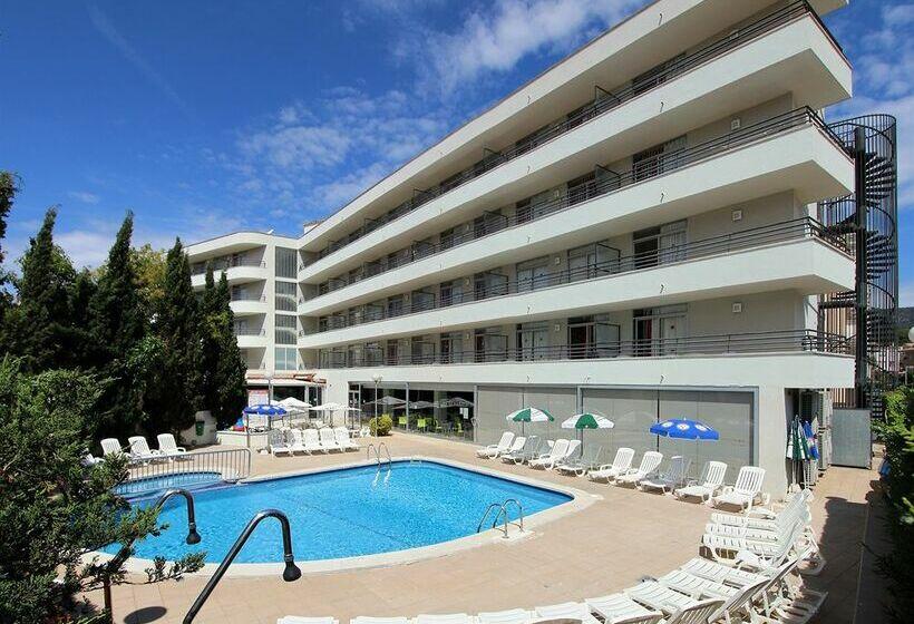Medplaya aparthotel esmeraldas in tossa de mar ab 19 for Appart hotel mediterranee