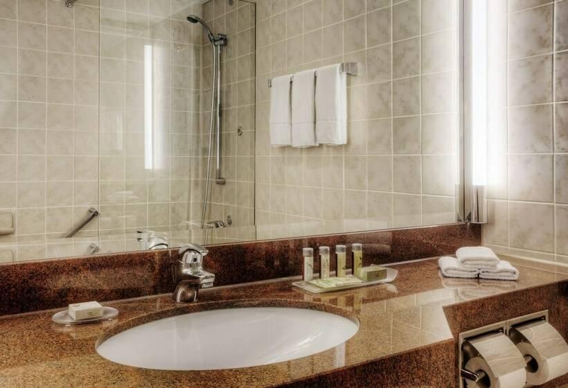 Bathroom Hotel Renaissance Duesseldorf Düsseldorf