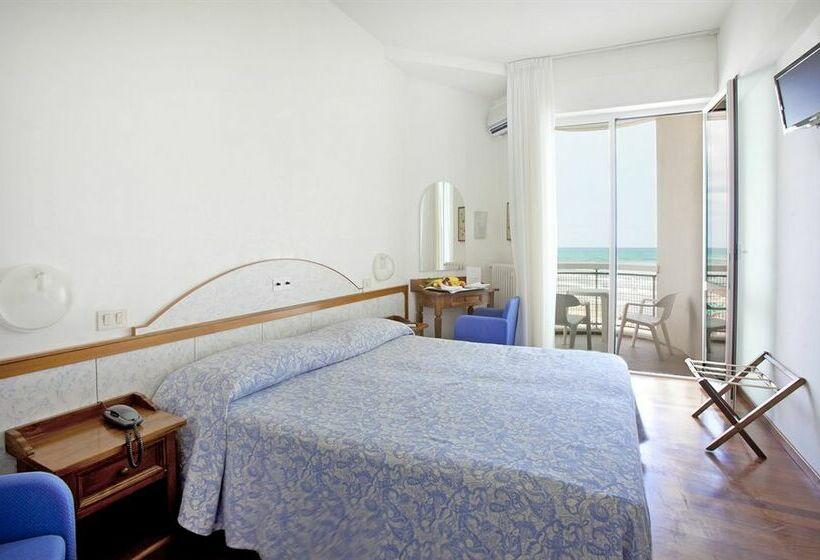 Hotel ritz senigallia le migliori offerte con destinia - Hotel con piscina senigallia ...