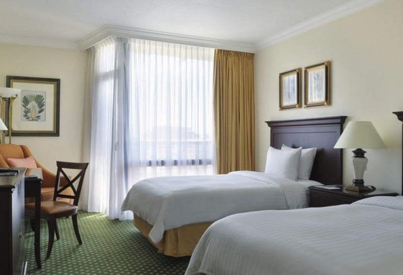 Quarto Hotel Lisbon Marriott Lisboa