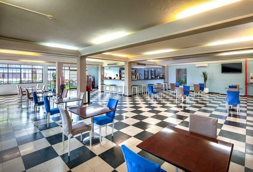 Hotel Navegadores Monte Gordo