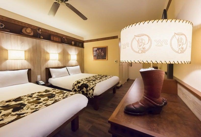 Disney 39 s hotel cheyenne disneyland paris partir de 99 for Chambre hotel disney