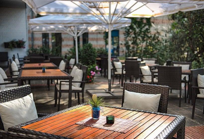 Aussenbereich Hotel Hilton Nuremberg Nürnberg