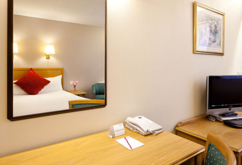 فندق Mercure Livingston