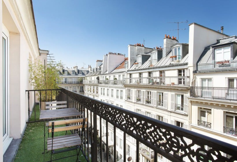H tel maison nabis by happyculture paris partir de 61 for Parking exterieur paris