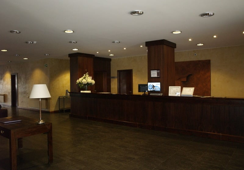 Front desk Hotel Saliecho Formigal