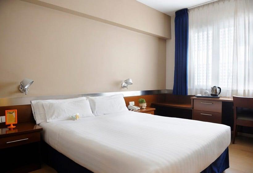 Hotel tres torres atiram em barcelona desde 23 destinia for Hoteis em barcelona