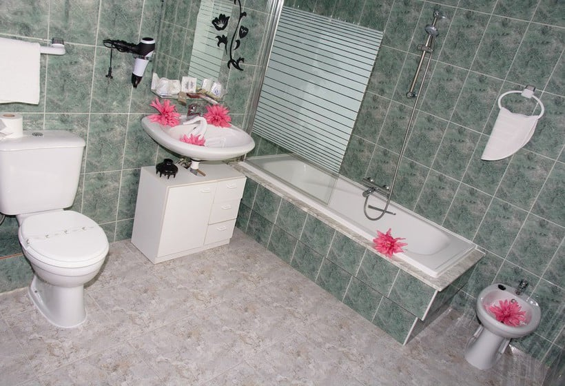 Bathroom Hotel Ancora Finisterre