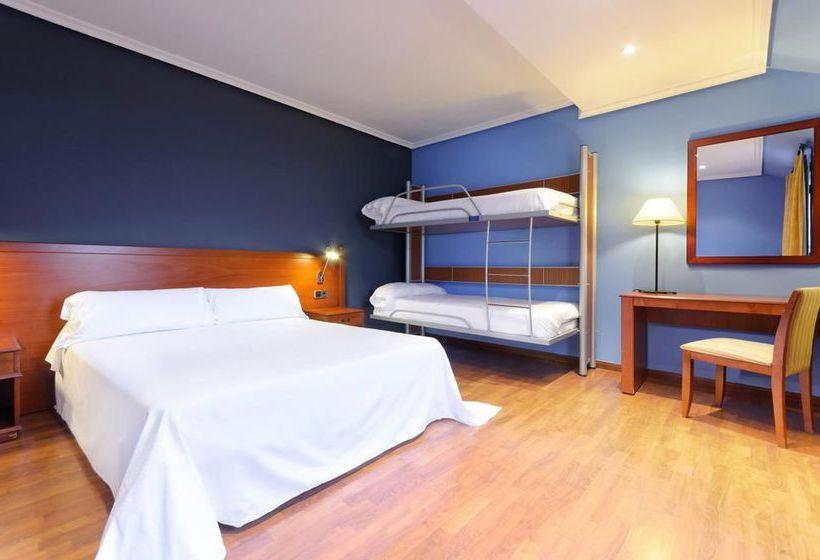 Hotel segovia sierra de guadarrama em los angeles de san for Hotel piscina segovia