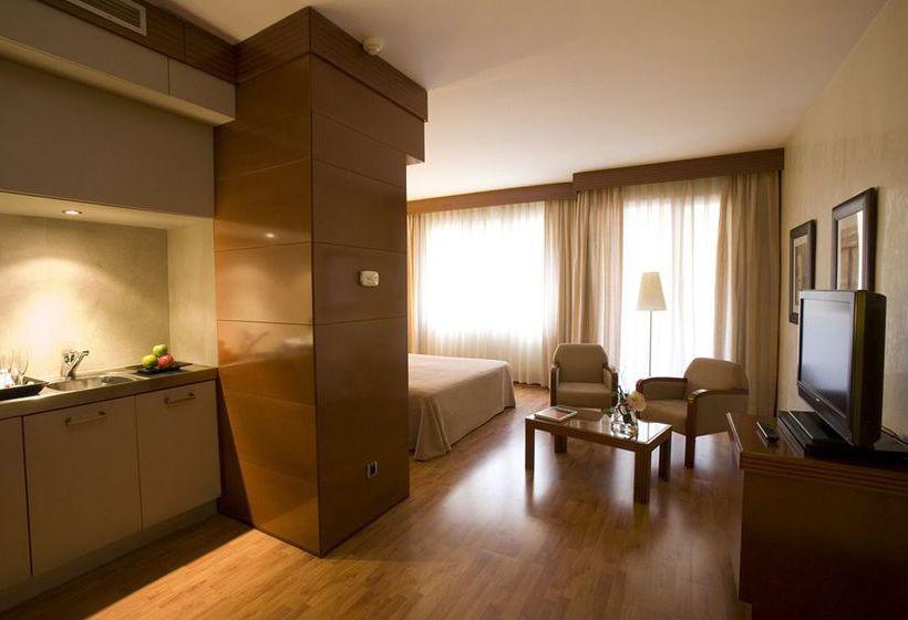 Aparthotel mariano cubi a barcellona a partire da 31 for Aparthotel barcellona